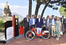 Inauguration Monabike - Surrounding H.S.H. the Sovereign Prince, from left to right: Roland de Rechniewski, Director of the Monegasque Bus Company; Luc Sabbatini, CEO of PBSC; Marie-Pierre Gramaglia, Minister of Public Works, the Environment and Urban Development; H.E. Serge Telle, Minister of State; Stéphane Valeri, President of the National Council; Tristan-Emmanuel Landry, Counsellor for the Canadian Embassy in Monaco; and Caroline Pratte, Canada's Honorary Consul in Monaco. Copyright: Government Communication Department/Michael Alési